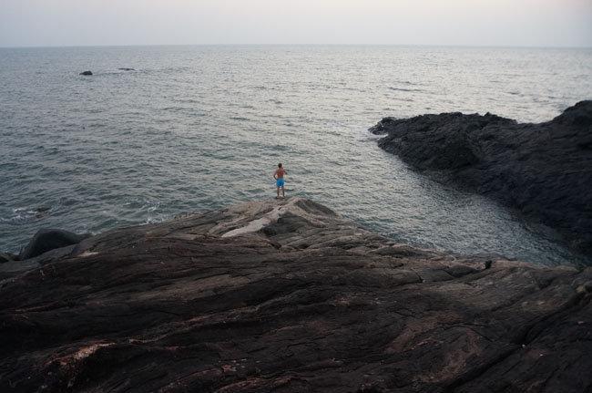 Гоа. Левая часть пляжа. Почувствуй себя песчинкой в море Силы