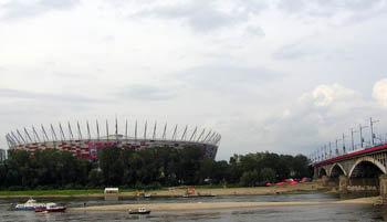Варшава. Стадион и мост к нему